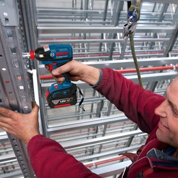 """Гайковерт акумулаторен ударен безчетков 18 V, 185 Nm, 1/2"""", Bosch GDX 18 V-200 C"""