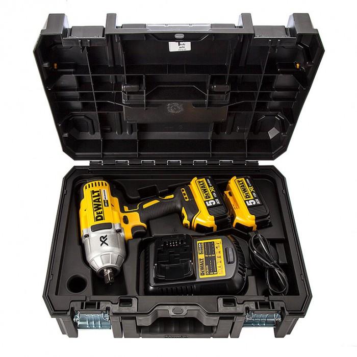 "Гайковерт акумулаторен ударен безчетков 18 V, 5 Ah, 950 Nm, 1/2"", DeWALT DCF899P2"