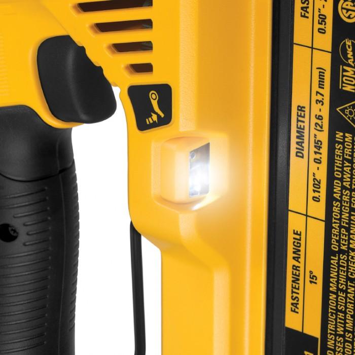 Такер акумулаторен безчетков 18 V, 5 Ah, за гвоздеи 13-57 мм, DeWALT DCN890P2