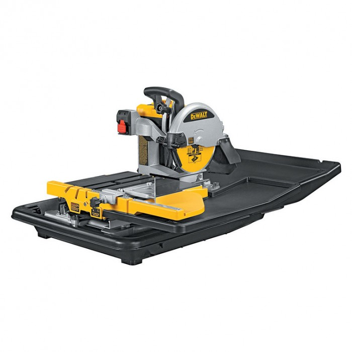 Машина за рязане на строителни материали циркулярна 1600 W, ф 250 мм, 610 мм, DeWALT D24000