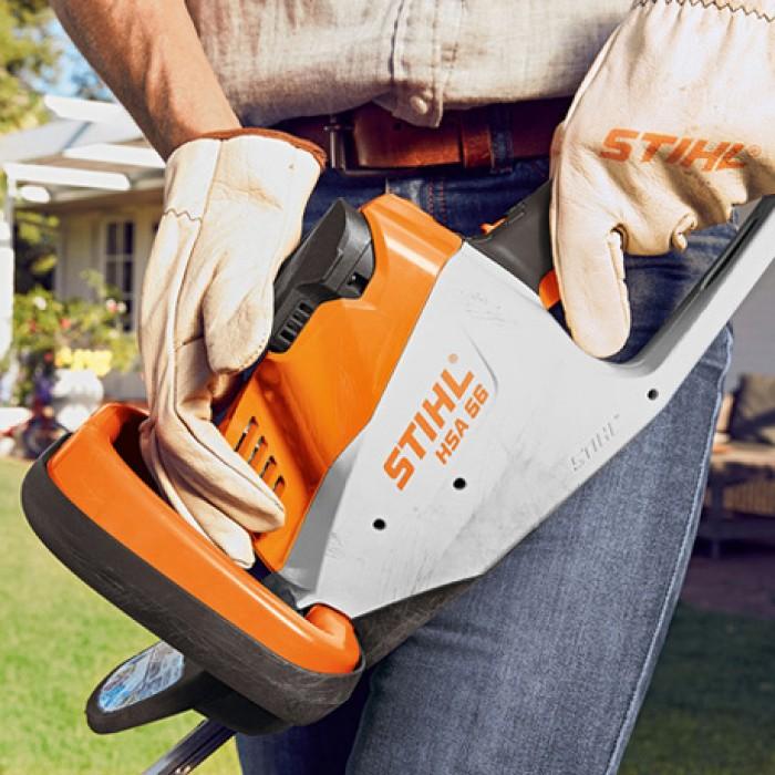 Ножица за жив плет акумулаторна с батерия и зарядно STIHL HSA 56