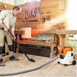 STIHL SE 62 E Висококачествена прахосмукачка за мокро и сухо почистване